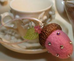 Swarovski crystal acorn wedding favors by JaynesLoveDoves on Etsy,