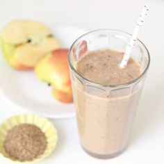 Pin for Later: 15 Deliciously Healthy Apple Recipes For Breakfast, Lunch, Dinner, and Dessert Apple Flaxseed Cinnamon Smoothie Find the recipe here