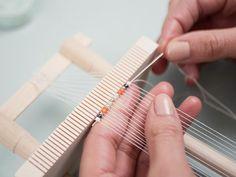 DIY-Anleitung: Perlenarmband mit Ethno-Muster weben via DaWanda.com