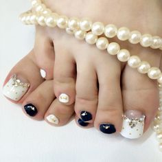Black-White Toe Nail  Art #nailbook