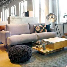 Nyhet på Habitat! Mesola 3-sits soffa i tidlös design och hög komfort är den perfekta soffan för första hemmet, 11 500kr. Finns i Skrapan och Täby C men går givetvis att beställa i alla våra butiker. Mått: 230x92x86cm #habitatsverige