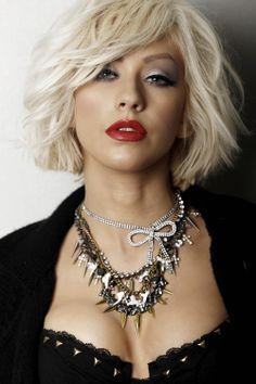 Christina Aguilera Love the edgy look Christina Aguilera Burlesque, Christina Aguilera Hair, Divas, Top Celebrities, Pretty Face, Hairdresser, New Hair, Short Hair Styles, Hair Cuts