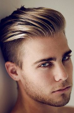 23 Sexy Summer Hairstyles For Blonde Guys - Blonde Slicked Back Hair