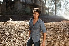 today i learned that this kid is on 'teen wolf' . today i also learned that 'teen wolf' is a thing Scott Teen Wolf, Tyler Posey Teen Wolf, Wolf Tyler, Teen Wolf Mtv, Teen Wolf Seasons, Scott Mccall, Raining Men, My Guy, Gorgeous Men