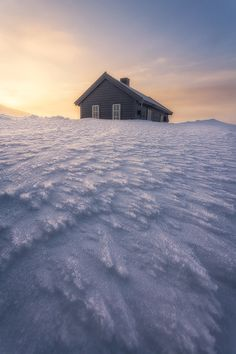 ~~Wintry Spring | a cabin at the golden hour in in the middle of the Hardangervidda National Park, the largest NP in Norway | by Stian~~