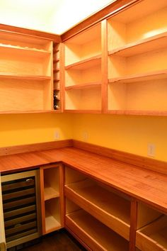 Walk-in Pantry like the pull outs