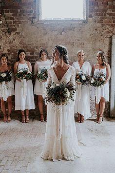 Bohemian wedding ideas: relaxed neutral bouquets, boho wedding dress with neutral bridesmaid dresses. Perfect Wedding, Dream Wedding, Wedding Day, Wedding Reception, Rustic Wedding, All White Wedding, Viking Wedding, Wedding Wishes, Party Wedding