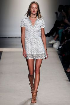 Isabel Marant Spring 2013 Ready-to-Wear Fashion Show - Karmen Pedaru (IMG)