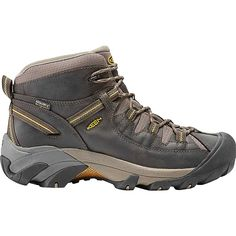 Our men's Targhee II waterproof hiking boots keep your feet dry and lets them breathe. It's built for all-day comfort, & mid-cut height adds ankle support. Best Hiking Boots, Hiking Boots Women, Hiking Gear, Hiking Shoes, Waterproof Hiking Boots, Waterproof Shoes, Hiking Essentials, Hiking Fashion, Trail Shoes
