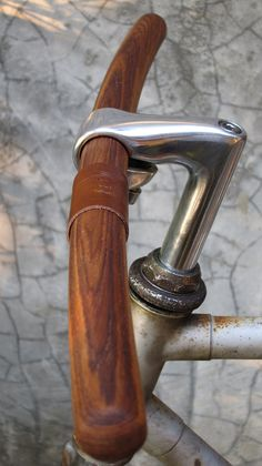 Teak handle bars.... now I just need to find some cute riding gloves... oh yeah, and a bike to put this on...