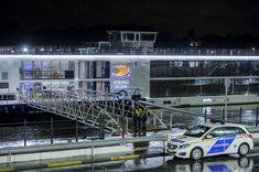 Budapest, un battello con turisti a bordo si rovescia nel Danubio: 7 morti, una ventina i dispersi - La Stampa ✫♦๏༺✿༻☼๏♥๏花✨✿写☆☀🌸✨🌿✤❀ ‿❀🎄✫🍃🌹🍃❁~⊱✿ღ~❥༺✿༻🌺♛☘‿TH May ♥⛩⚘☮️ ❋ Budapest, Tourism