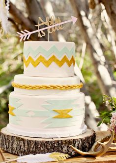 Tribal Arrow First Birthday Cake Topper by Pink Poppy Party Shoppe Dreamy Navajo 1st Birthday | Marigold Events #navajo #tribal