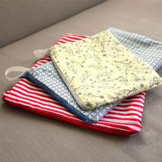 DIY Wet Bags - Simple, practical, and durable wet bags with the easiest zipper installation.