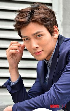 Ji Chang Wook...love his songs and voice....