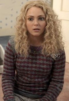 #CarrieDiaries Fashion: AnnaSophia Robb, as Carrie Bradshaw, wore the Marc by Marc Jacobs Twinkle Stripe Metallic Sweater on The Carrie Diaries episode 'Read Before Use'    #CelebrityStyleGuide