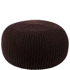 Para sentarse, poner los pies en alto y holgazanear cómodamente, el puf Cocoon es único. El exterior está revestido en un acogedor punto grueso de tejido acrílico, y en la parte inferior está provisto de un aplique de tela con cremallera para poder extraer la funda. El relleno, un mullido cojín, está compuesto de 100% poliestireno. Disponible en otros colores.