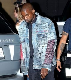 Illustrated outfits : Kanye West in graffitied, illustrated and customised denim jacket Customised Denim Jacket, Painted Denim Jacket, Distressed Denim, Kanye West Style, Jean Jacket Outfits, Denim Jacket Men, Denim Jackets, Diy Jeans, Estilo Jeans