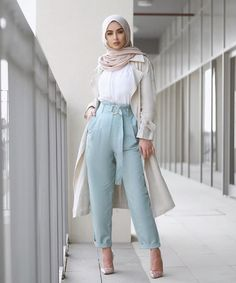 Sohamt clothes in 2019 hijab fashion, modern hijab fashion, Modest Fashion Hijab, Modern Hijab Fashion, Hijab Fashion Inspiration, Islamic Fashion, Muslim Fashion, Look Fashion, Classy Fashion, Party Fashion, Fashion Dresses