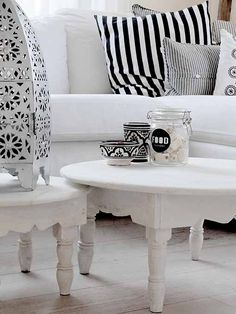 39 Modern Moroccan Decor For Coffee Table Modern Moroccan Decor, Moroccan Theme, Moroccan Interiors, Moroccan Design, Gray Interior, Interior Design, Estilo Boho, Decorating Coffee Tables, Decoration