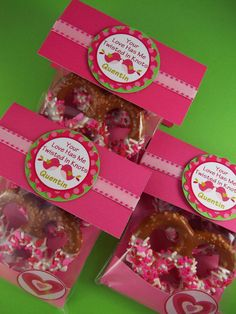 Chocolate Covered Pretzel Valentine's Day Party Favor Bags. Link doesn't work, but looks great in photo.