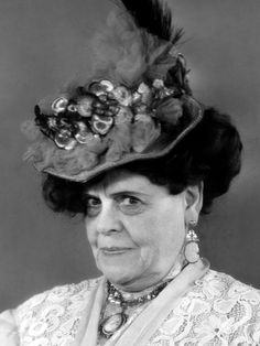 Marie Dressler   A face that had character. A wonderful actress, she had a hard life and it showed in her portrayal's of older women.