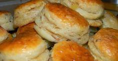 SUROVINY :   1 kg hladkej múky špeciál  2 dl oleja  3 pol. lyž. soli  2 žĺtka  10 g droždie sušené  0,5 lit. vlažné mlieko  25 dkg po... Pastry Recipes, Pizza Recipes, Bread Recipes, Cookie Recipes, Russian Pastries, Bread Dough Recipe, Salty Foods, Russian Recipes, Keto Bread