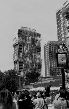 DEMOLITION: NIGHTINGALE ESTATE | HACKNEY DOWNS | LONDON BOROUGH OF HACKNEY | LONDON | ENGLAND: *Photo: 1999*