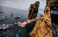 Aus höchster Höhe ins Wasser: Klippenspringen ist eine Sportart fürs Auge:...