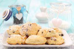 BISCOTTI ALLA RICOTTA MORBIDI in 5 minuti con una forchetta Italian Desserts, Italian Recipes, Biscotti Cookies, Sweet Bakery, Fudge, Cereal, Food Porn, Dessert Recipes, Cooking Recipes