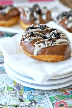 Cookies 'n Cream Donuts: easy fried donuts using Pillsbury Grands, ready in 30 minutes, topped with chocolate and oreos!