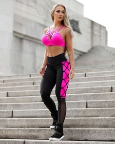 Best Workout Outfits For Women, When it has to do with women, you'll find as many options as you desire. If you're a women and searching for preferable gym wear for you then you will. Workout Attire, Workout Wear, Workout Outfits, Fit Girl, Sporty Girls, Gym Girls, Sports Leggings, Mesh Leggings, Workout Leggings