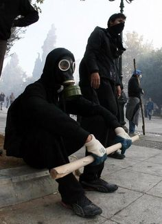Athens riots Story Inspiration, Writing Inspiration, Character Inspiration, Gas Mask Art, Gas Masks, Post Apocalyptic, Steam Avatar, Founding Fathers, Teenage Rebellion
