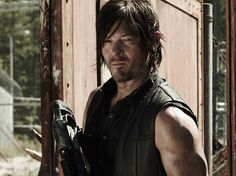 Walking Dead' AMC renews the zombie apocalypse series for Season 5