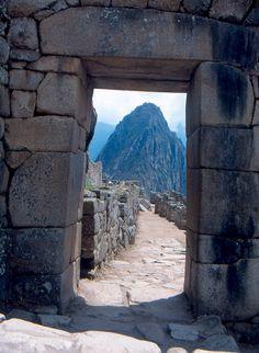 Puerta de entrada a la fortaleza inca de Machu Picchu
