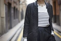 Un look que no falla. Black leather skirt. Details from my street style outfits. Detalles de mis looks de street style.