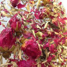 A blend of Jasmine silver needle with rose buds, delicious! #pekoetea #edinburgh #tea #beautifulleaves