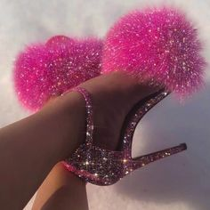 Pretty pink heels just for you. Badass Aesthetic, Boujee Aesthetic, Bad Girl Aesthetic, Aesthetic Collage, Aesthetic Pictures, Pink Tumblr Aesthetic, Makeup Aesthetic, Aesthetic Black, Glitter Fotografie