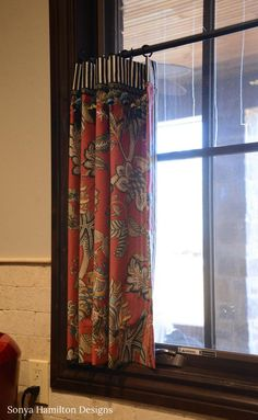 The cutest kitchen cafe curtain created simply by the bold combination of a stunning red floral with classic black & white stripe! Kitchen Window Curtains, Home Curtains, Kitchen Windows, Valance Window Treatments, Window Coverings, French Country Living Room, Window Dressings, Stores, Cozy House