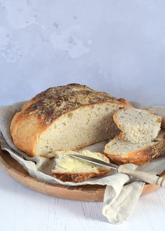 No knead bread (brood zonder kneden) A Food, Food And Drink, No Knead Bread, Banana Bread, Slow Cooker, Nom Nom, Sandwiches, Bakery, Favorite Recipes
