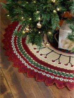 365 Crochet: Caron Crochet Christmas Tree Skirt