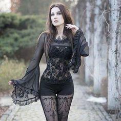 30+ Erstaunlicher Gothic Fashion Look #erstaunlicher #fashion #gothic Gothic Metal, Gothic Steampunk, Goth Beauty, Dark Beauty, Dark Moda, Steam Punk, Fashion Looks, Fashion Tips, Style Fashion