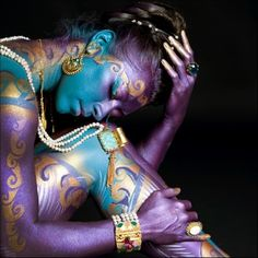 Teal & Purple ~Chiara Anna...Afferrai un desiderio ..tra la luce azzurra del cielo..lo dipinsi in ardente sfumature dei pensieri..Ed ora eccomi adesso piegata n me stessa..Aspetto che arrivi .. quel momento ..il mio momento ..per abbracciare quel desiderio..ormani divenuto sogno.
