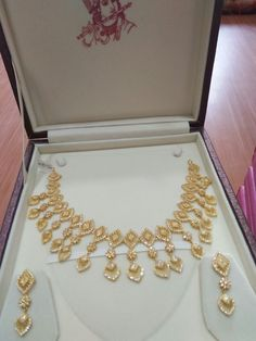 Srimuralikrishanajewellers Proddatur Gold Earrings Designs, Gold Jewellery Design, Necklace Designs, Bridal Necklace Set, Wedding Jewelry, Gold Necklace, Arabic Jewelry, Indian Jewelry, Bollywood Jewelry