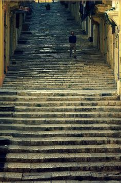 Never ending steps in Valletta. Great for exercise. :-) #Malta #Valletta #EuropeanCapitalOfCulture #holiday #Mediterranean