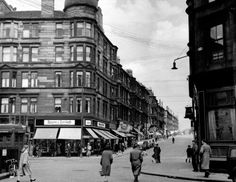 Partick Cross and Byres Road, Glasgow in the from vantage point outside Three Judges pub. Glasgow Museum, Glasgow City, Glasgow Scotland, Edinburgh, Old Pictures, Old Photos, Gorbals Glasgow, Glasgow Architecture, Argyle Street