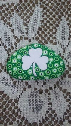 Dotted shamrock, painted on a Lake Huron beach stone by Cindy P 2018.