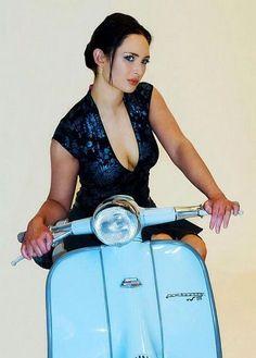 Français, homme, 48 ans, Scooter scooter girls fan of Lambretta Piaggio Vespa, Lambretta Scooter, Mod Scooter, Scooter Motorcycle, Vespa Girl, Scooter Girl, Vespa Motor Scooters, Vintage Moped, Mod Girl
