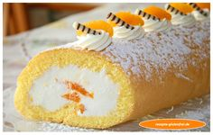 Glutenfreie Biskuitroulade mit Mandarinencreme! Herrlich luftig und zart! www.rezepte-glutenfrei.de