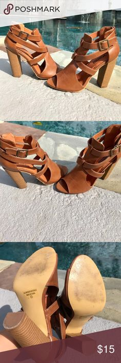 Brown ankle strap heels❤️ These heels are great!! Look awesome with skinnies.. excellent condition Shoes Heels