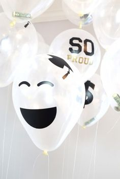 Need a graduation gift idea? Hand your grad a balloon bouquet filled with cash! For more graduation gift ideas visit TheCelebrationShoppe! Graduation Balloons, Birthday Balloons, School Decorations, Balloon Decorations, Best Graduation Gifts, Graduation Ideas, Grad Gifts, Party Props, Party Ideas